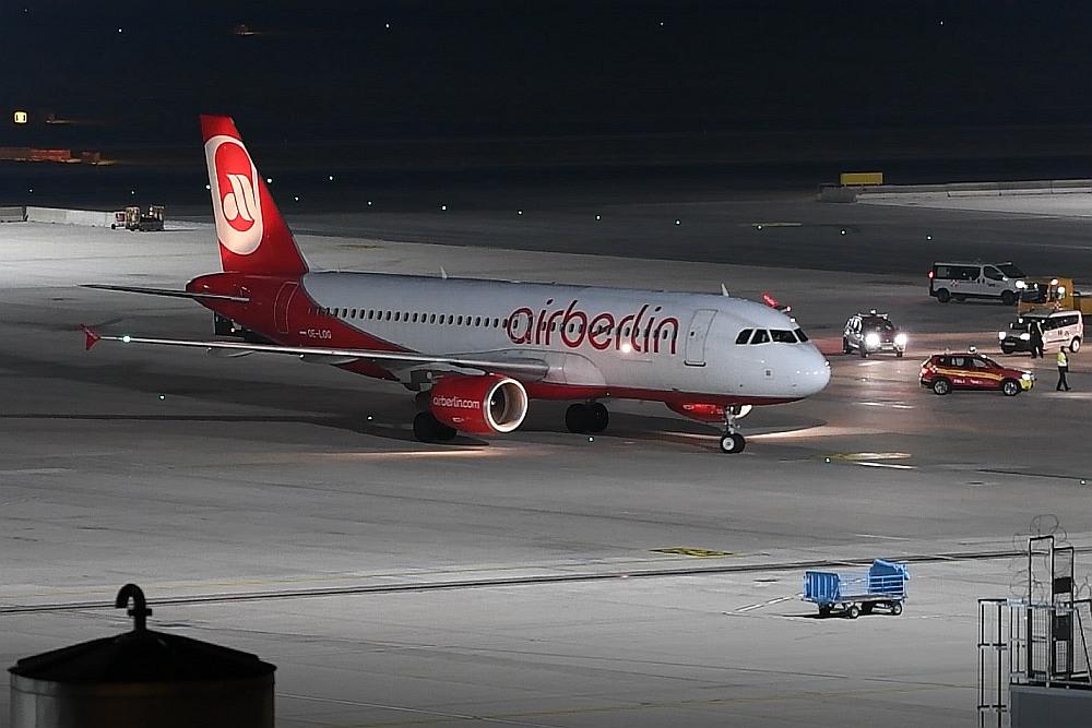 Time To Say Goodbye Letzter Niki Flug Auf Dem Flughafen Wien
