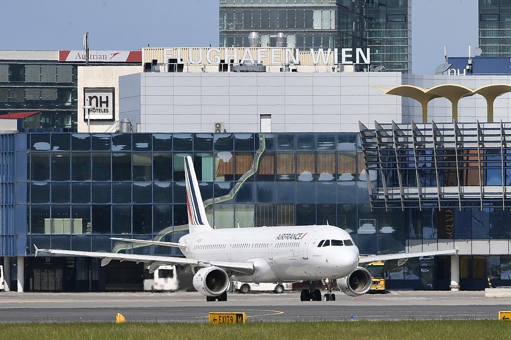 Flughafen Wien Rät Zu Rechtzeitiger Anreise Am Ersten