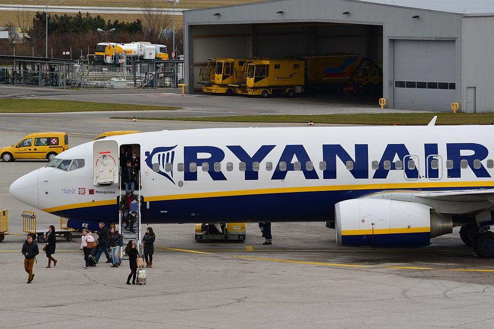 Preiskampf in der Branche: Ryanair verdient deutlich weniger - Überregionale Wirtschaft