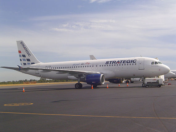 Airbus A320 von Strategic Airlines - Foto: Wikimedia Commons