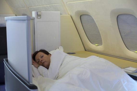 neue first class an bord der lufthansa a380 austrian wings. Black Bedroom Furniture Sets. Home Design Ideas