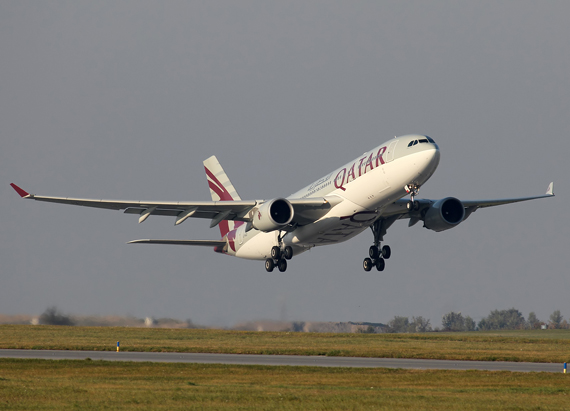 A330-300 von Qatar Airways beim Start - Foto: Max Hrusa