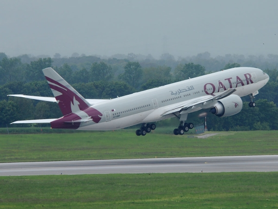 Boeing 777-200LR von Qatar Airways beim Start - Foto: Austrian Wings Media Crew