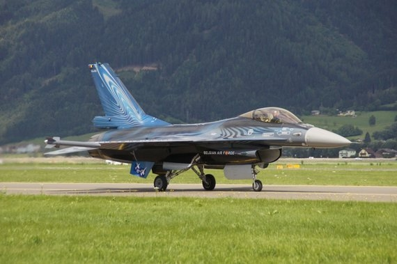 "F-16 ""Fighting Falcon"" (""kämpfender Falke"") der belgischen Luftwaffe - Foto: Anton Wildberger"