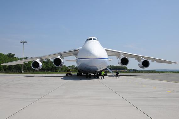 Die AN 124 (Bild) und die C-5 Galaxy zählen zu den größten Transportflugzeugen der Welt - Foto: Austrian Wings Media Crew