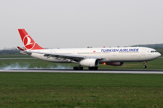 Turkish Airlines Airbus A330-300 - Foto: Chris Jilli