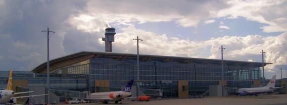 Flughafen Oslo Gardemoen - Foto: Sean Hayforn O'Leary