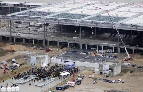 Noch eine Baustelle, ab 2012 in Betrieb: BBI Airport bei Berlin - Foto: Berliner Flughäfen