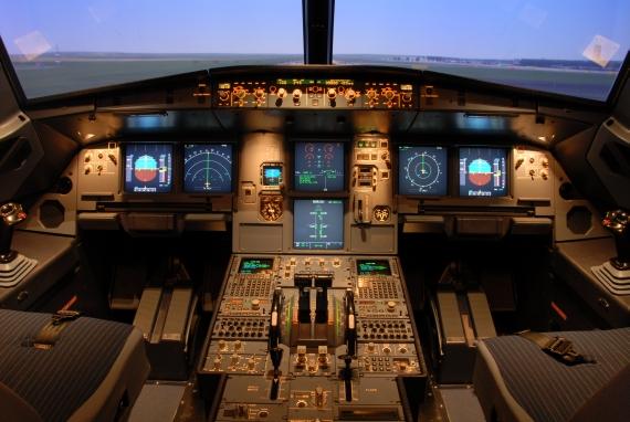 Symbolbild Flugzeugcockpit