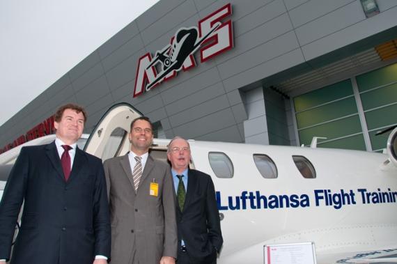 lufthansa flight training und atlas air service gehen kooperation ein austrian wings. Black Bedroom Furniture Sets. Home Design Ideas