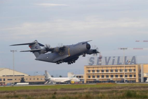 A400M beim Start in Sevilla - Foto: Airbus