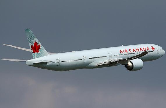 Boeing 777-300ER von Air Canada im Steigflug - Foto: Konstantion von Wedelstädt