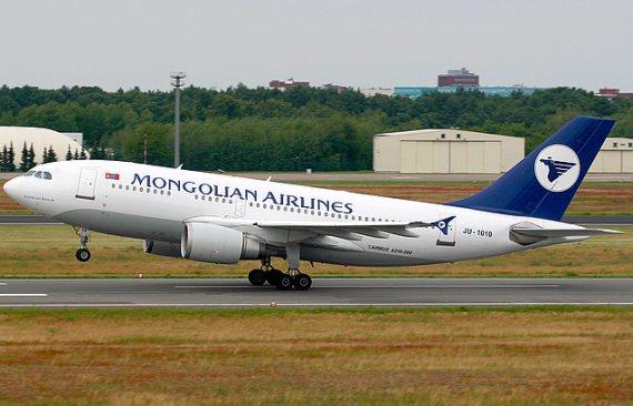 A310-300 von MIAT in Berlin Tegel - Foto: Konstantin von Wedelstädt