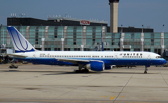 Bleiben am Boden: 96 Boeing 757 von United - Foto: Konstantin von Wedelstädt