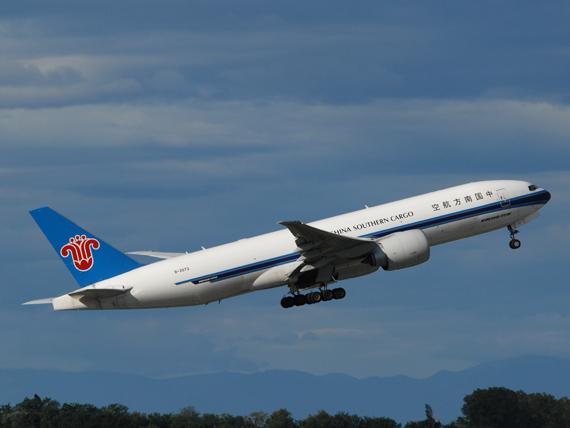 Boeing 777F der China Southern Cargo beim Start in Wien - Foto: P. Radosta / Austrian Wings