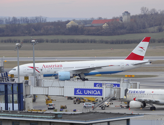 Vor rund 50 Minuten landete die AUA Maschine aus Tokio in Wien - Foto: Austrian Wings Media Crew