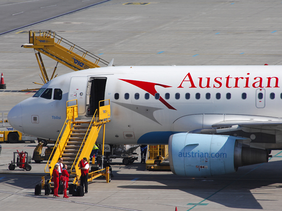 Die AUA hat unter anderem einen Einstellungsstopp für Flugbegleiter verfügt - Foto: Austrian Wings Media Crew