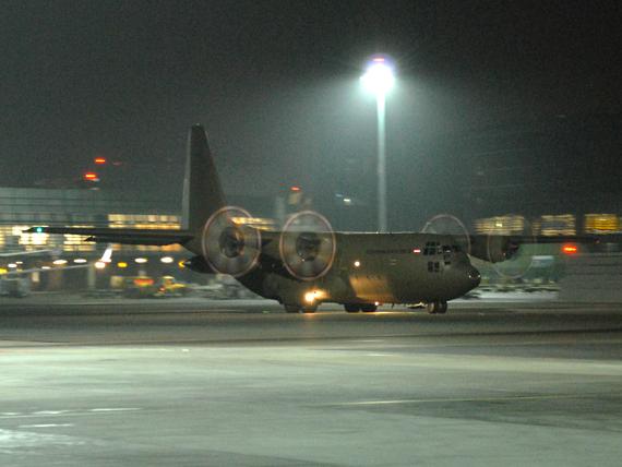 Eine Hercules des Bundesheeres steht in Malta bereit - Foto: Austrian Wings Media Crew