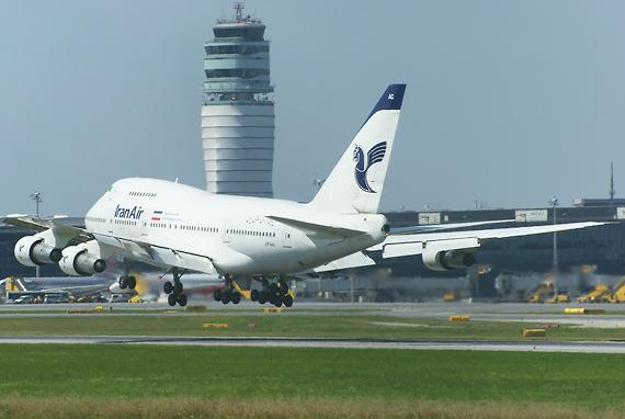 Dürfen nicht mehr in die EU fliegen: Boeing 747 (Bild) und A320 von Iran Air - Foto: R. Reiner / Austrian Wings