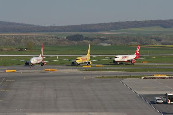 Im April 2010 verwandelten sich die europäischen Flughäfen tagelang zu Flugzeugparkplätzen - Foto: Austrian Wings Media Crew