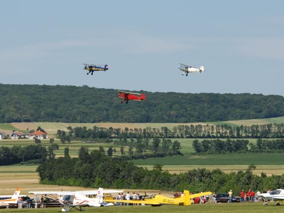Beeindruckende Flugmanöver garantiert die Airshow am Spitzerberg - Foto: P. Radosta / Austrian Wings